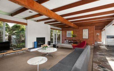 'Burns House' 9 Moonda Gve, Cheltenham VIC