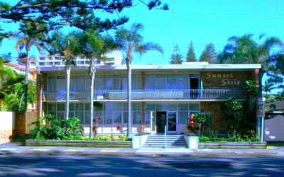 'Sunset Strip Motel' 199-203 Boundary St, Coolangatta QLD